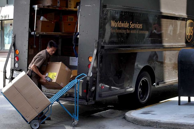 FedEx and UPS Jolt Ecommerce with Dimensional Weight Pricing
